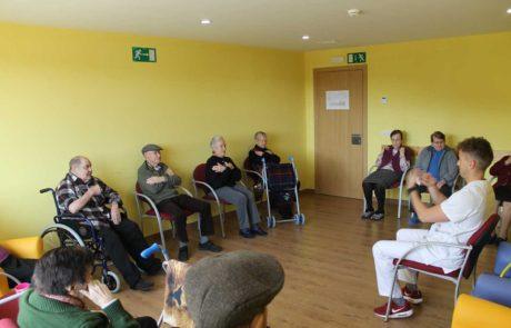 Mayores atendidos por fisioterapeuta